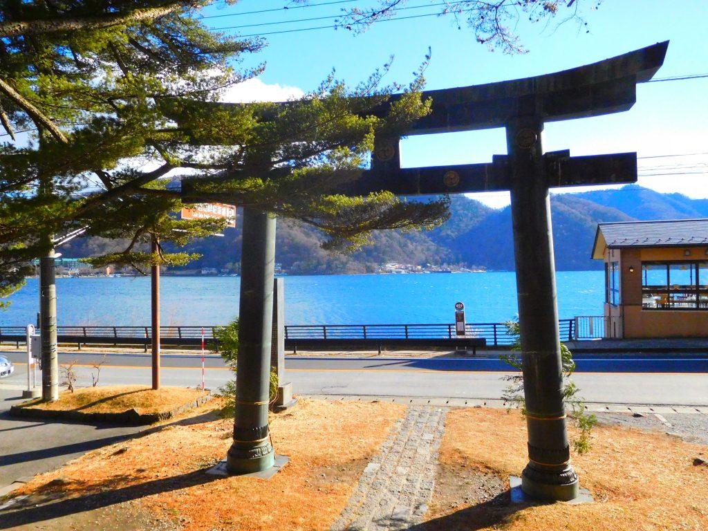 中禅寺湖、二荒山神社