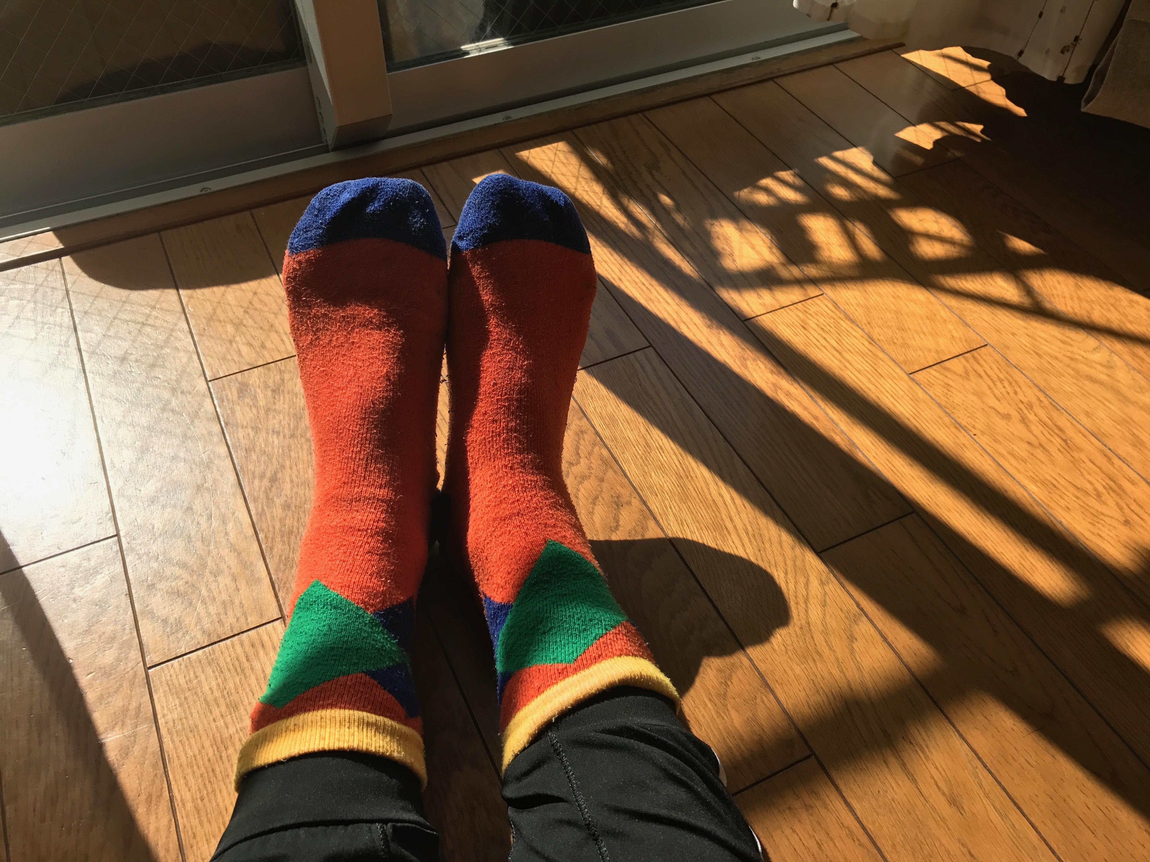 日差し、春、ぬくもり、靴下