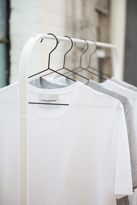 ハンガー、クローゼット、Tシャツ