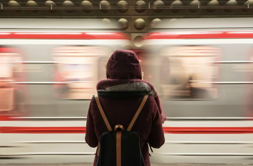 電車、通勤、女子